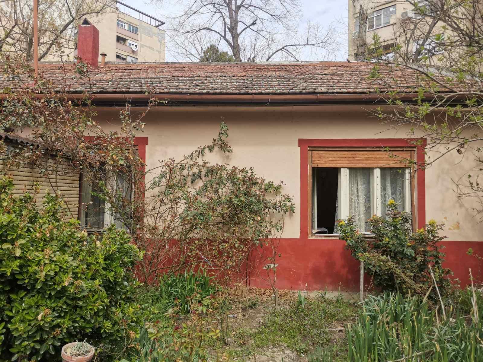 kuća - NOVI SAD - ŽELEZNIČKA STANICA - 3040397