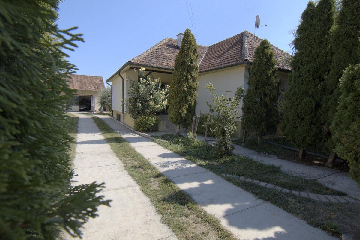 kuća - TEMERIN - CENTAR - 3040415